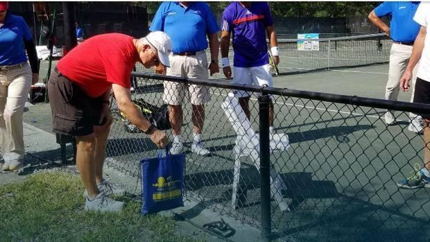 Tennis, paura in Germania per serpente in campo FOTO
