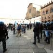 Salvini a Bologna, scontri centri sociali polizia 05