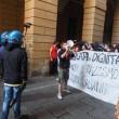 Salvini a Bologna, scontri centri sociali polizia 17