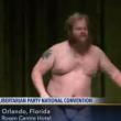 YOUTUBE Usa, candidato libertariano si spoglia al comizio 6