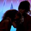 YOUTUBE Paula Abdul, reality show: concorrente le vomita addosso 3
