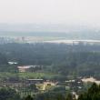 FOTO Corea del Nord: centinaia di persona camminano su montagne russe 2