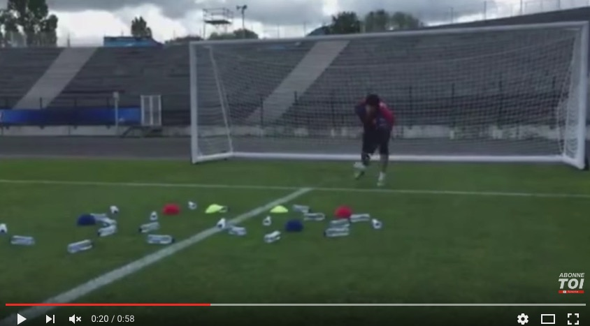 Cech, il suo segreto: allenamento con bottigliette