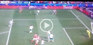 Guarda la versione ingrandita di Aaron Ramsey VIDEO gol fuorigioco Galles-Irlanda del Nord