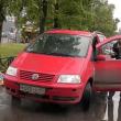 YOUTUBE Lite per il parcheggio. Usa spray al peperoncino: donna collassa 4