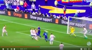 Giaccherini VIDEO rovesciata Italia-Spagna: palo a gioco fermo