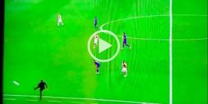 Guarda la versione ingrandita di Italia-Spagna, VIDEO: Antonio Conte scaglia via pallone infuriato