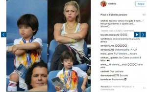 Euro 2016, Spagna ko. Pique jr disperato: Shakira tenta di consolarlo