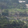 FOTO Corea del Nord: centinaia di persona camminano su montagne russe 3