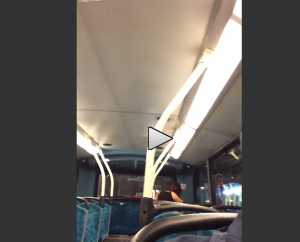Guarda la versione ingrandita di VIDEO Londra, su autobus una coppia fa...