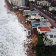 Tempesta colpisce Sydney: piscina crolla in mare 4