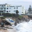 Tempesta colpisce Sydney: piscina crolla in mare 7