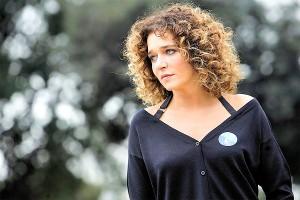 Valeria Golino, passeggiata romantica con Gianluca De Marchi, amico di Scamarcio
