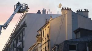 Incendio palazzo Parigi, 5 morti 11 feriti5
