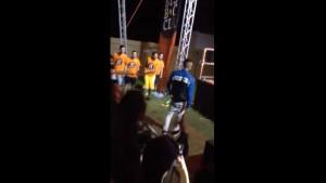 Guarda la versione ingrandita di VIDEO YOUTUBE Rapper Achille Lauro picchia fan a concerto