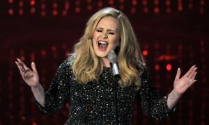 """YOUTUBE Adele al producer Visconti: """"Io voce ritoccata? Testa di c..."""""""