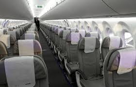 """Viaggiare in aereo, hostess rivelano: """"Cibo pessimo, acqua del caffè è...""""Viaggiare in aereo, hostess rivelano: """"Cibo pessimo, acqua del caffè è..."""""""