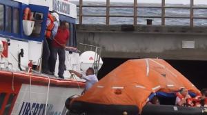Stromboli, scirocco spinge aliscafo contro banchina e lo fa affondare