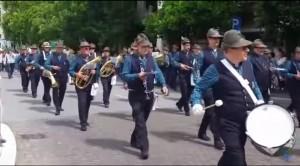Guarda la versione ingrandita di VIDEO YOUTUBE Gorizia, raduno alpini: parata tra ovazioni e tricolori