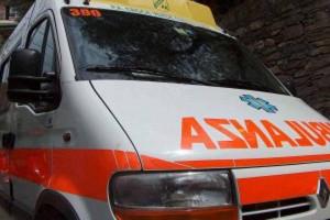 Incidente in A27: trovato con coltello conficcato nel petto