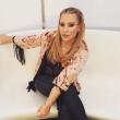 Anastacia, selfie allo specchio per lotta a cancro al seno 03