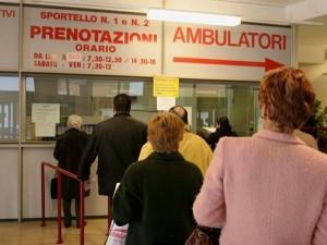 Censis, 11mln italiani rinuncia a cure e 5 mln prescrizioni inutili