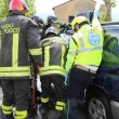 Isola Vicentina, auto contro platano distrutta: autista ferita FOTO 4