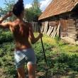Giovani bielorussi senza vestiti su Instagram8