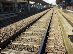 Brescia, Clodian Seferae muore investito da treno: giocava sui binari