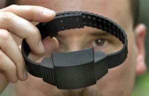 """Pusher rifiuta braccialetto elettronico: """"Meglio il carcere"""""""