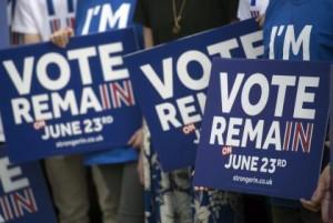 """Brexit, Remain o Leave: è sfida all'ultimo voto. Farage: """"No sconfitta"""""""