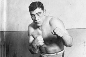 Guarda la versione ingrandita di Primo Carnera, 29 giugno 1933: così il pugile divenne campione del mondo VIDEO
