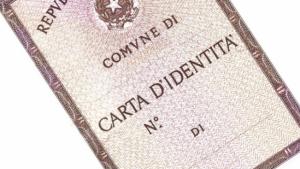 Falsifica documenti della madre ricoverata e vende la sua auto