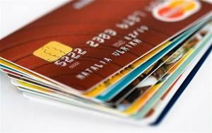 Carte di credito: da oggi costano meno per clienti e commercianti