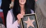 Cher e il tweet con l'emoji bomba per Instanbul. E i fan…