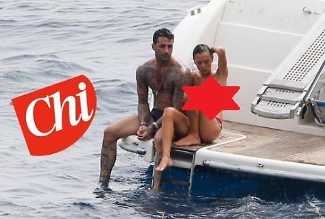 Fabrizio Corona e i servizi sociali in yacht. Nina Moric...