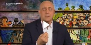 """YOUTUBE Maurizio Crozza: """"Votiamo per abolire ottobre"""""""
