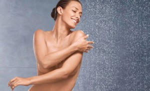 Guarda la versione ingrandita di Vuoi sprecare meno acqua? Fai la pipì sotto la doccia