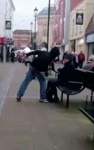 VIDEO YOUTUBE Killer di Poundland schizofrenico e drogato: uccide passante