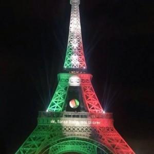 Euro 2016, la Tour Eiffel si tinge del tricolore FOTO 2