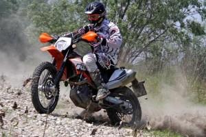 Tortona, motociclista muore durante gara di Enduro