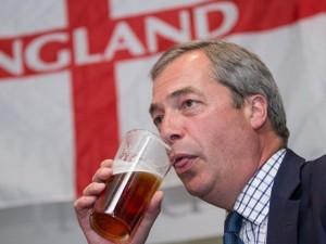 Farage smascherato in tv: spariscono i milioni elettorali VIDEO