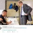 Piero Fassino e lo scrutatore palestrato: ironia corre sul web FOTO04