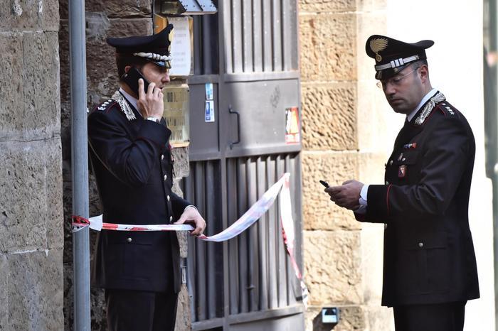 Donna e trans uccise a Firenze: caccia al killer scatena psicosi07