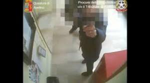 YOUTUBE Avellino come Caserta: Asl licenzia 7 furbetti del cartellino