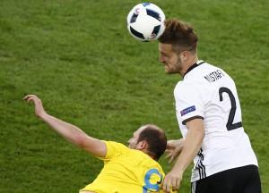 Euro 2016, Germania-Ucraina 2-0: Mustafi-Schweinsteiger gol