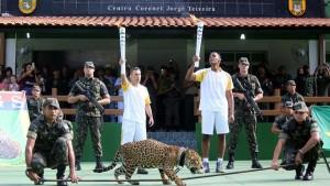 Rio 2016, cerimonia torcia olimpica in Amazzonia: giaguaro abbattuto
