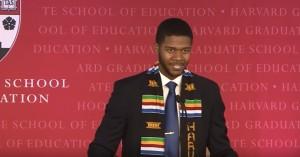 Guarda la versione ingrandita di Discorso studente entusiasma Harvard