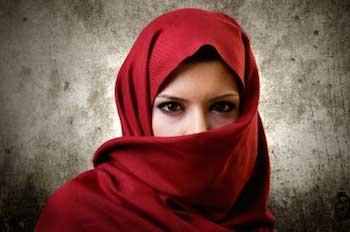 Alessandria: picchia moglie cristiana che rifiuta il velo