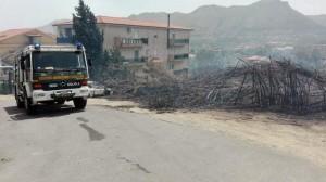 Sicilia, piromani danno fuoco ai gatti: correndo incendiano tutto